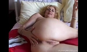 ass cougar mama fuck old cunt pussy